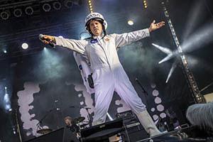 Partyband Das Fiasko, Sänger als Major Tom verkleidet