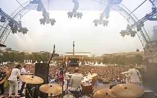 Blick vom Schlagzeuger aus Richtung Publikum